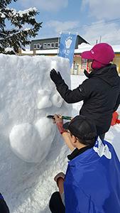 雪像作り2日目