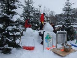 くらぶで雪像を作りました!