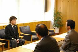旭川市役所で感謝状の贈呈を受けました