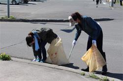 ゴミ拾いを開催しました