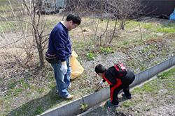 ゴミ拾い&園内塗装